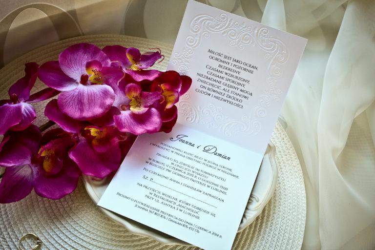 eleganckie zaproszenia slubne z koronka artirea