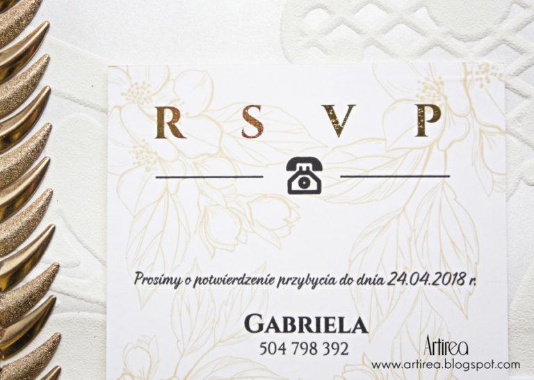 eleganckie jednokratkowe bialo zlote pozlacane zaproszenia slubne z motywem delikatnych kwiatow artirea