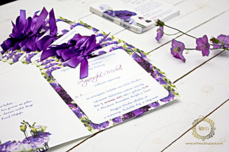 fioletowe zaproszenia slubne kwiatowe artirea
