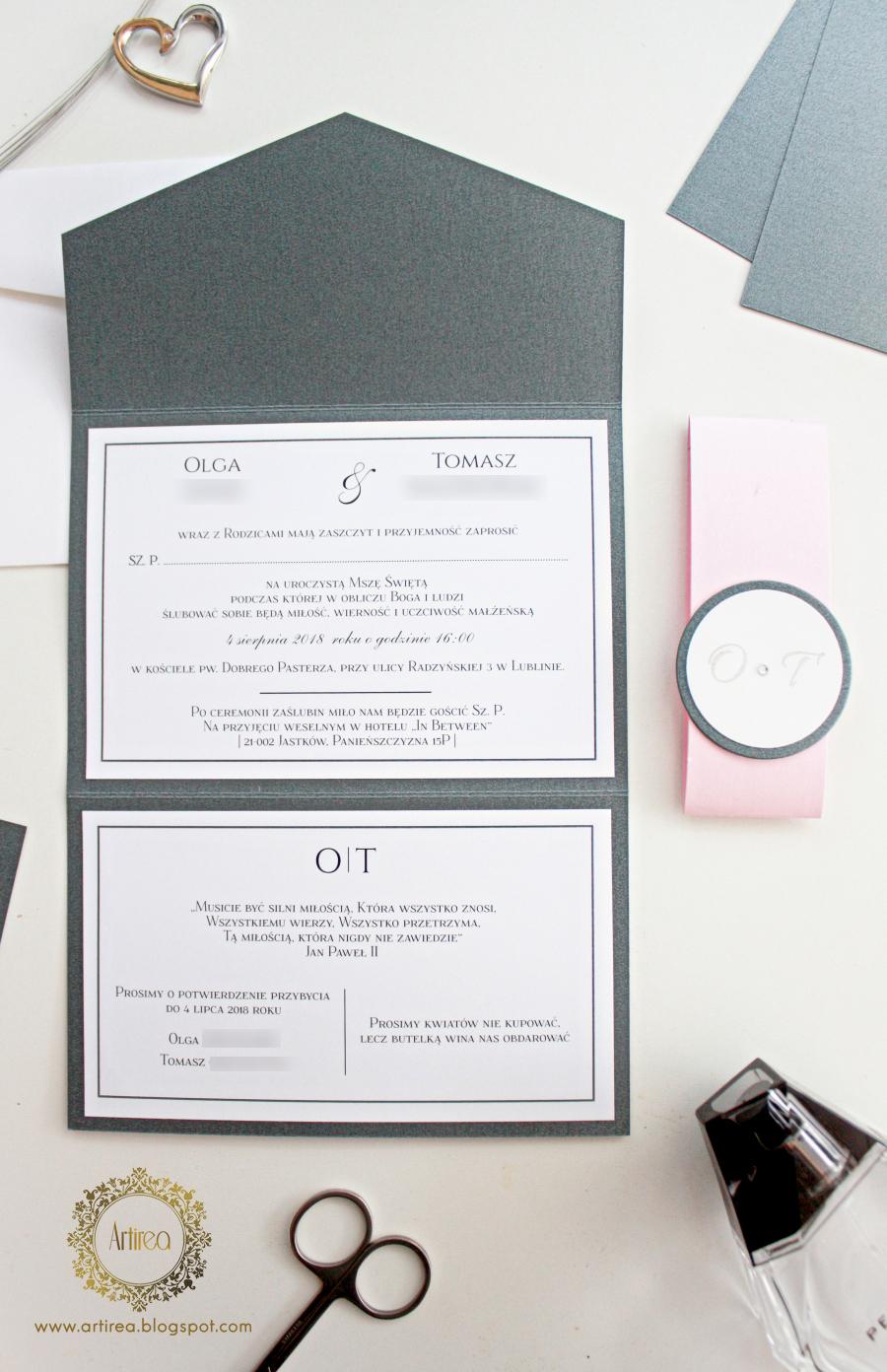 eleganckie nowoczesne zaproszenia slubne z pozlacaniem w kolorze szaro rozowym artirea