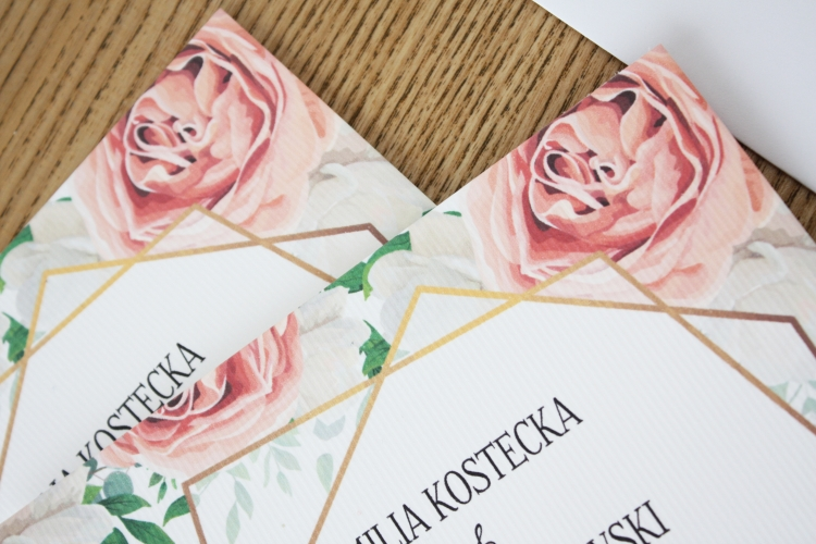 pastelowe rozowe delikatne zaproszenia slubne pozlacane zloty sznurek jednokartkowe artirea oryginalne
